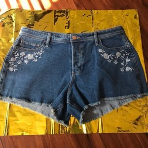 Hollister embroidered denim shorts